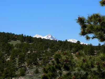 Glimpse_of_longs_peak