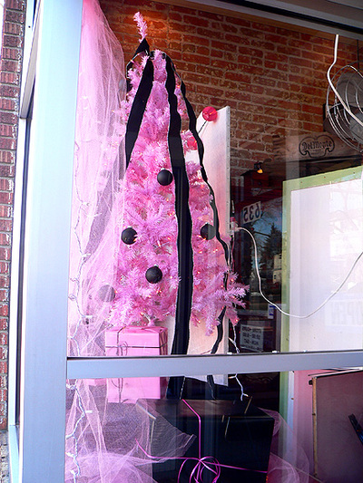 Window_reflectionspink_tree